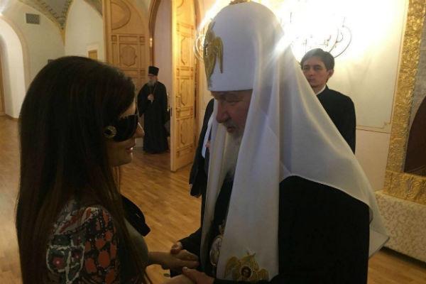 Диана Гурцкая подарила Патриарху картину