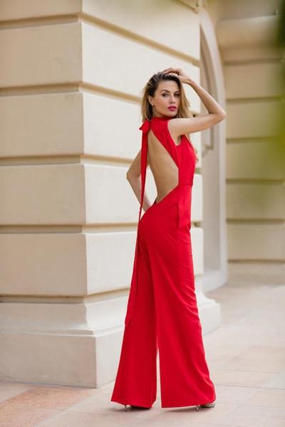 Виктория Боня продает свою коллекцию одежды по баснословной цене