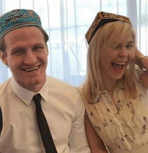 Пелагея тайно вышла замуж за хоккеиста