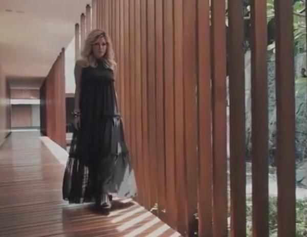 Белла Потёмкина представила новое платье с женским именем
