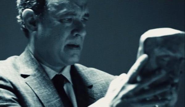 Том Хэнкс в трейлере «Инферно» исследует маску Данте Алигьери