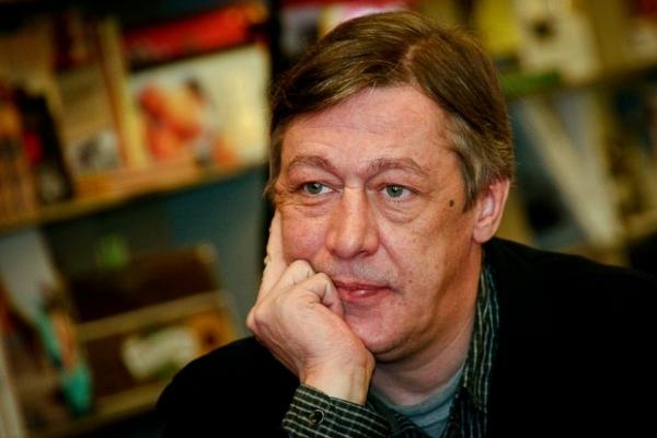 Михаил Ефремов изменяет жене