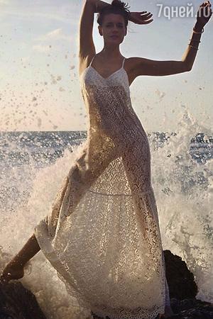 Любовь Толкалина шокировала поклонников поведением на пляже