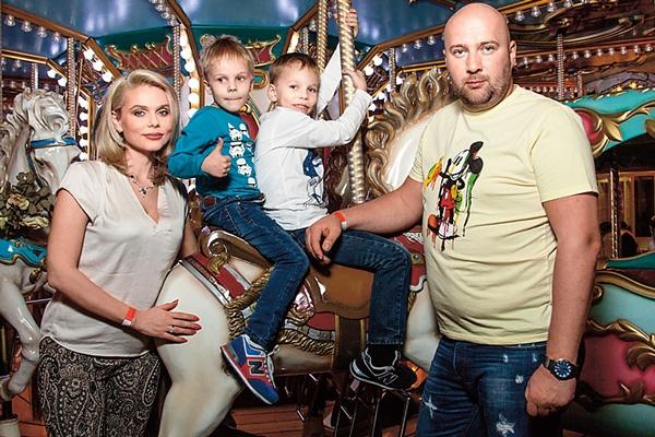 Ксения Новикова лишает бывшего мужа родительских прав