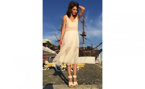 Дитковските пришла на «Кинотавр» в свадебном платье