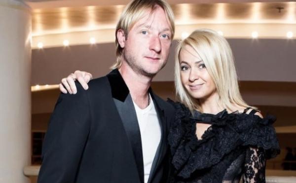 Яна Рудковская поделилась подробностями самочувствия Евгения Плющенко после операции на позвоночнике