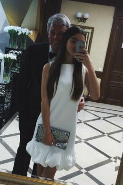 Александр Стриженов не разрешает младшей дочери выходить замуж