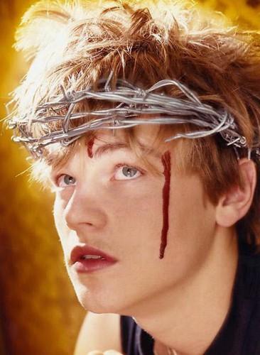 Странные фотографии молодого Леонардо ди Каприо попали в Сеть