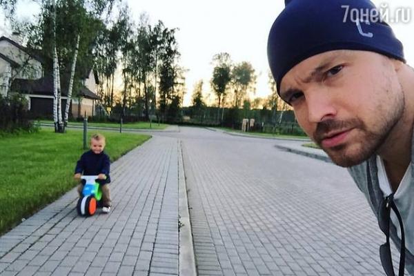 Алексей Чадов впервые показал сына