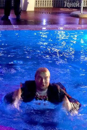 Скандал: Ани Лорак столкнула Николая Баскова в бассейн