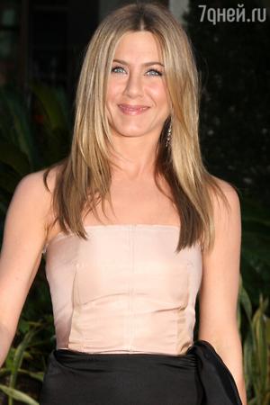 Беременность Дженнифер Энистон оказалась очередной шуткой актрисы
