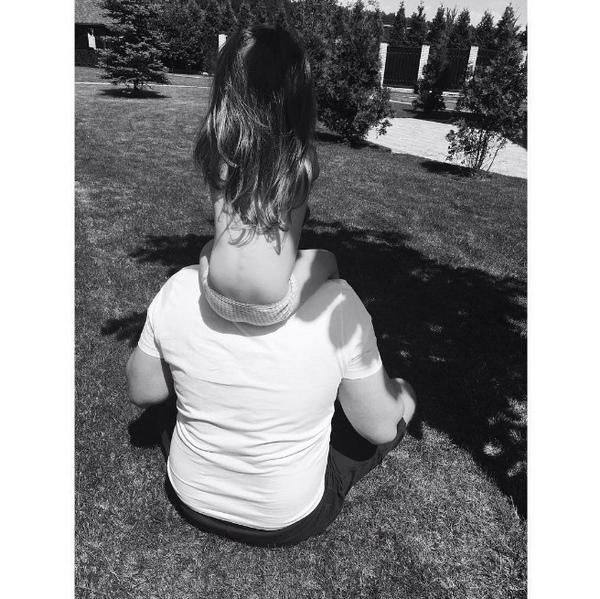 Кристина Асмус поделилась фотографией подросшей дочери