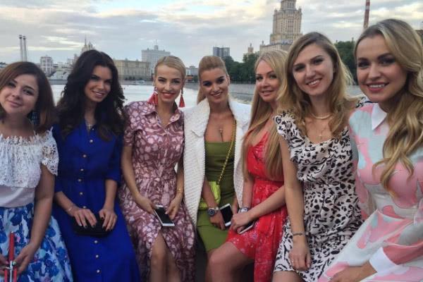 Ксения Бородина зажгла на свадьбе друга