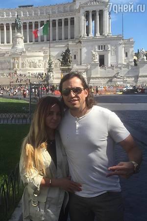 Александр Ревва устроил жене романтические каникулы