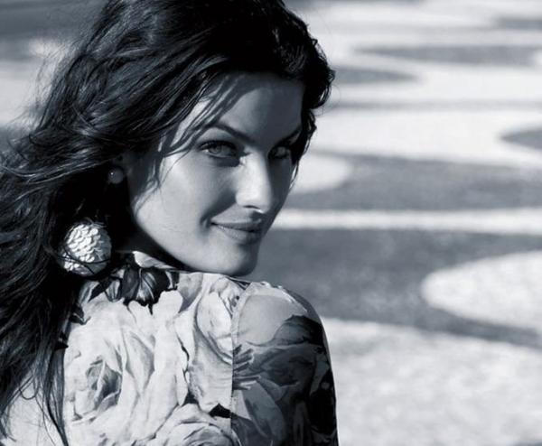 Летняя Изабели Фонтана на страницах Madame Figaro