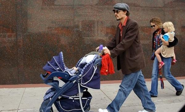 Джонни Депп уехал в отпуск с Ванессой Паради и с детьми