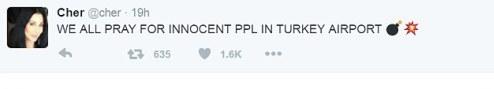 Шер извинилась за использование эмодзи «бомб» в твите о теракте в турецком аэропорту