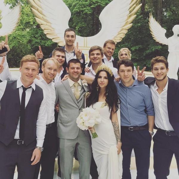 Александр Радулов и Дарья Дмитриева устроили свадьбу богов