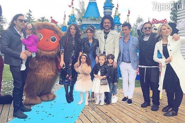 Ани Лорак подарила дочери на день рождения замок