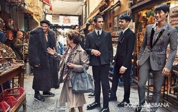Dolce & Gabbana удивили креативной фотосессией, сняв моделей среди прохожих