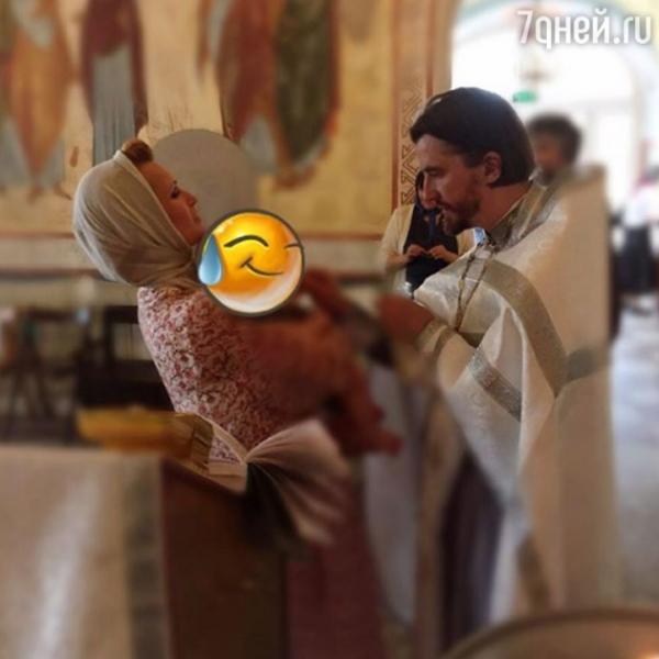 Олеся Судзиловская окрестила сына