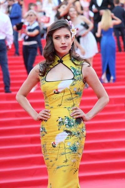 Анна Чиповская показала один из самых красивых нарядов на ММКФ-2016