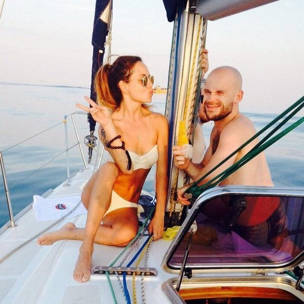 МакSим отдохнула на яхте в бикини