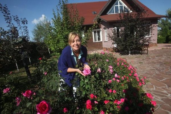 Арина Шарапова спасает свой сад