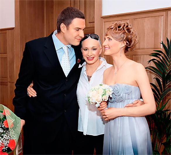 Невестка требует от Татьяны Васильевой деньги за встречи с внуками