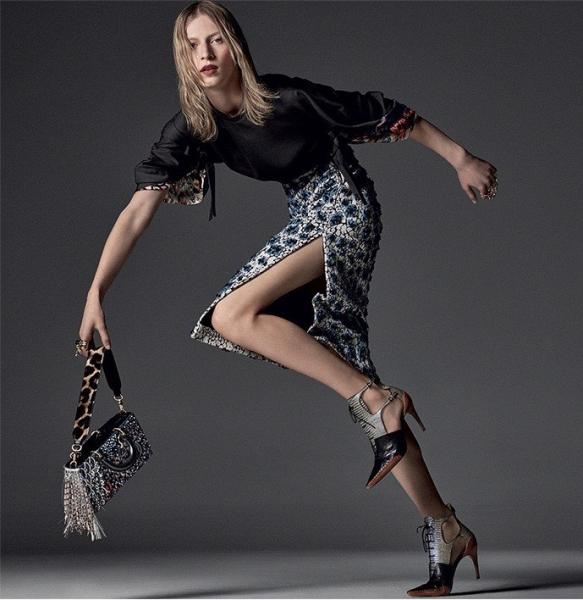Джулия Нобис изыскано представила новую коллекцию от Dior