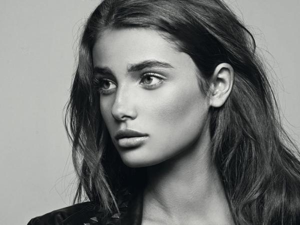 Тейлор Хилл стала новым лицом косметики Lancôme