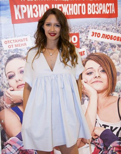 Элина Камирен вспомнила о прелестях нежного возраста