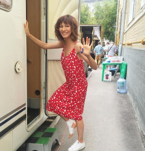 Елена Подкаминская с трудом передвигается из-за травмы
