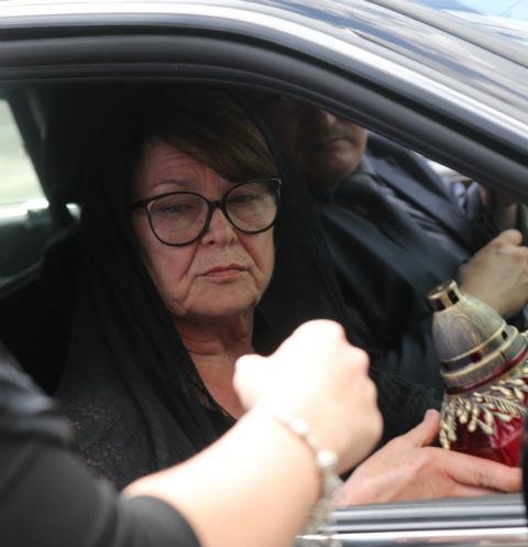 Мать Жанны Фриске судится из-за клеветы в свой адрес