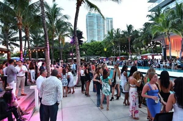 Неделя пляжной моды в Майами
