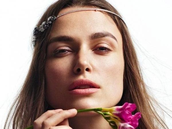 Прекрасная Кира Найтли демонстрирует украшения от Chanel
