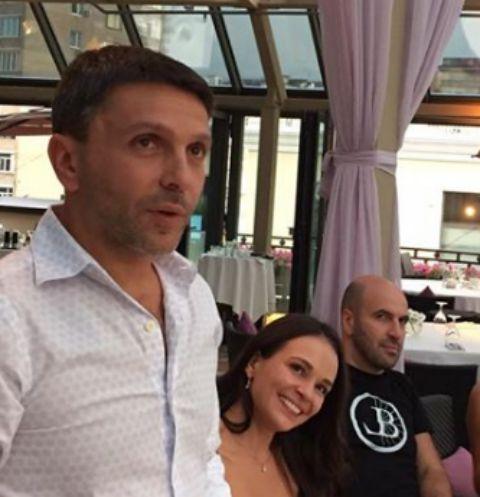 Леонид Барац представил друзьям новую возлюбленную