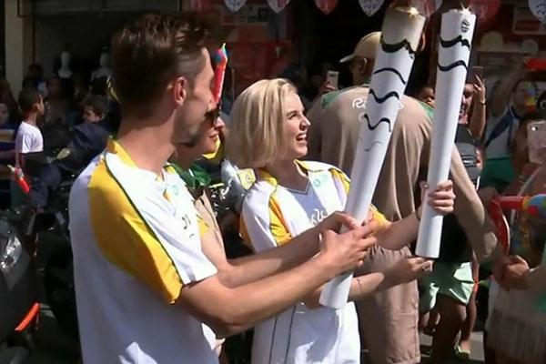 Билан и Гагарина пронесли олимпийский огонь в Бразилии