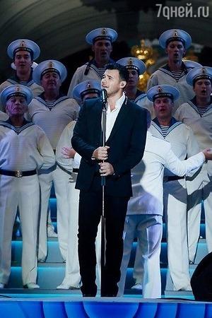 Эмину в Санкт-Петербурге подпевали 50 тысяч зрителей