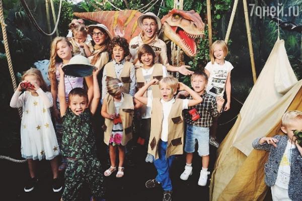 Алёна Водонаева собрала «звездных» деток на дне рождения сына