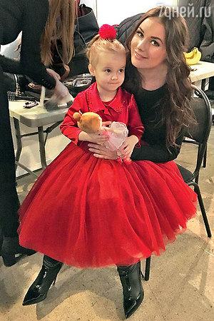 Оксана Федорова подарила дочери замок