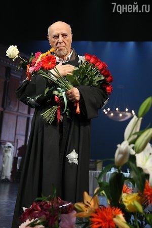 94-летний Владимир Этуш сыграет главную женскую роль