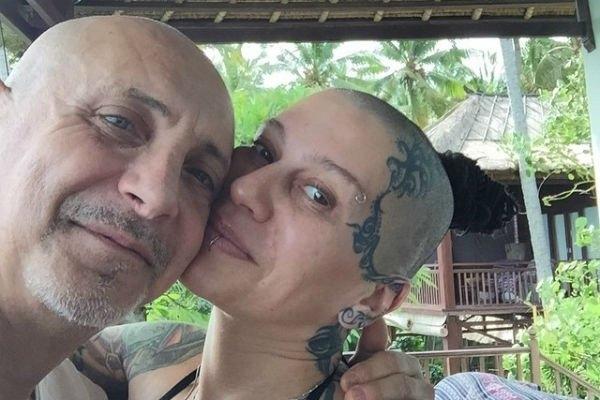 Наргиз Закирова заявила, что бывший муж угрожает ей расправой