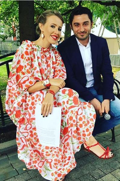 Собчак носит «беременные» платья от российского бренда