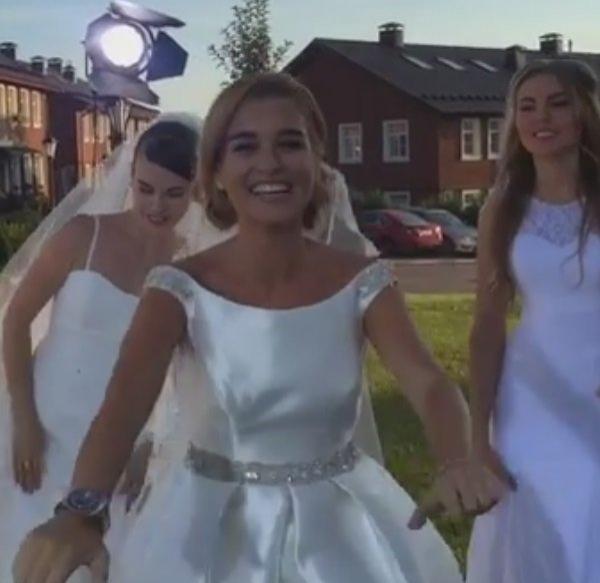 Надев свадебное платье, Ксения Бородина отправилась сниматься