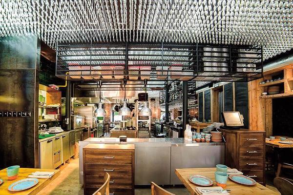 Резо Гигинеишвили открыл ресторан рядом с домом