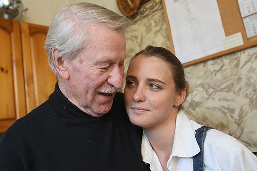 Иван Краско постоянно ревнует свою молодую супругу