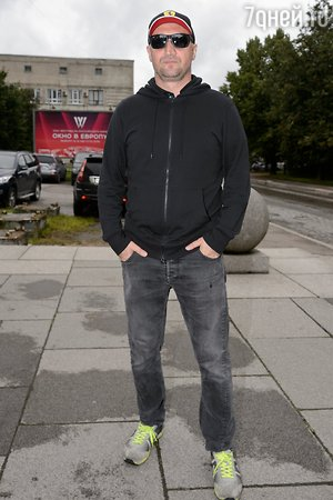 Гоша Куценко замерз в Выборге