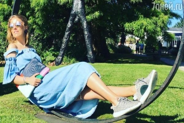 Ксения Собчак официально объявит о своей беременности только в сентябре