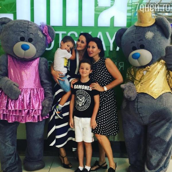 Ольга Кабо устроила вечеринку в честь сына